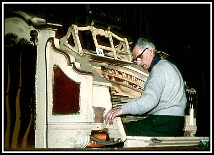 Robin Richmond at the Wurlitzer, Trocadera