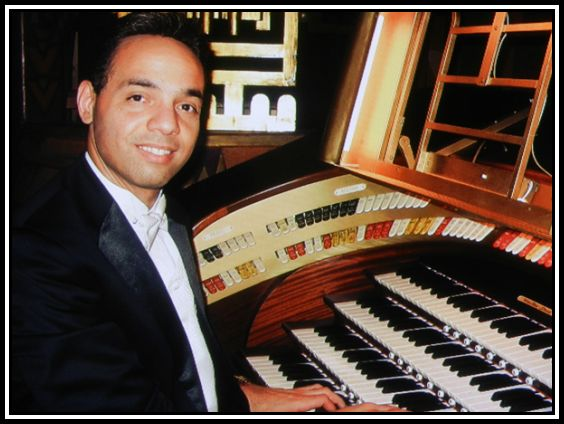 Jelani Eddington at the Tuschinski Organ