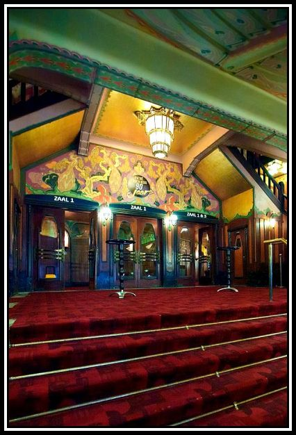 bpath233_tuschinski_is_a_cinema_with_6_screening_rooms_in_5