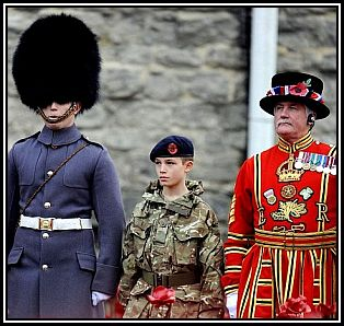 Tower-of-London-Poppies-Army-Cadet-220634