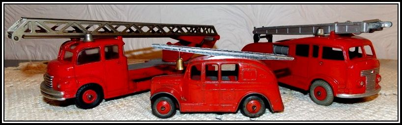 011 Dinky Toys 956, 555 and 25h