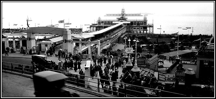 Southend pier entrance from Royal Hill [B690] 1933-08-00